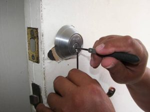 image of person picking a lock